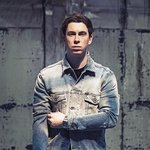 Hardwell just revealed the release date for his collaboration with Austin Mahone!