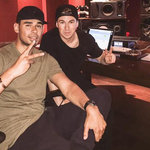 Hardwell received help from Afrojack when his plane had to make an emergency landing!