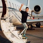 Martin Garrix announces that he has a collaboration with LOOPERS coming soon!