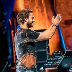 """Zedd Claps Back At Fan Who Called """"Stay"""" The """"Worst & Most Annoying"""" Song"""